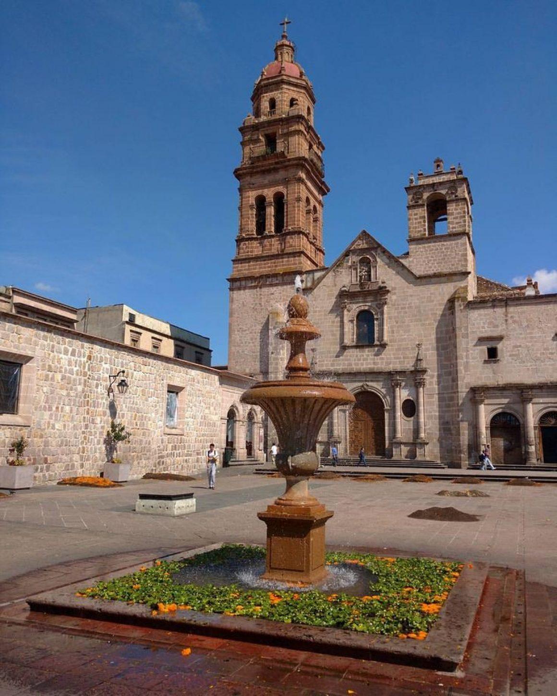 Cerrada de San Agustín, Morelia, Michoacán, México, Música tradicional Mexicana, Música tradicional Michoacana, pirekua, purepechas